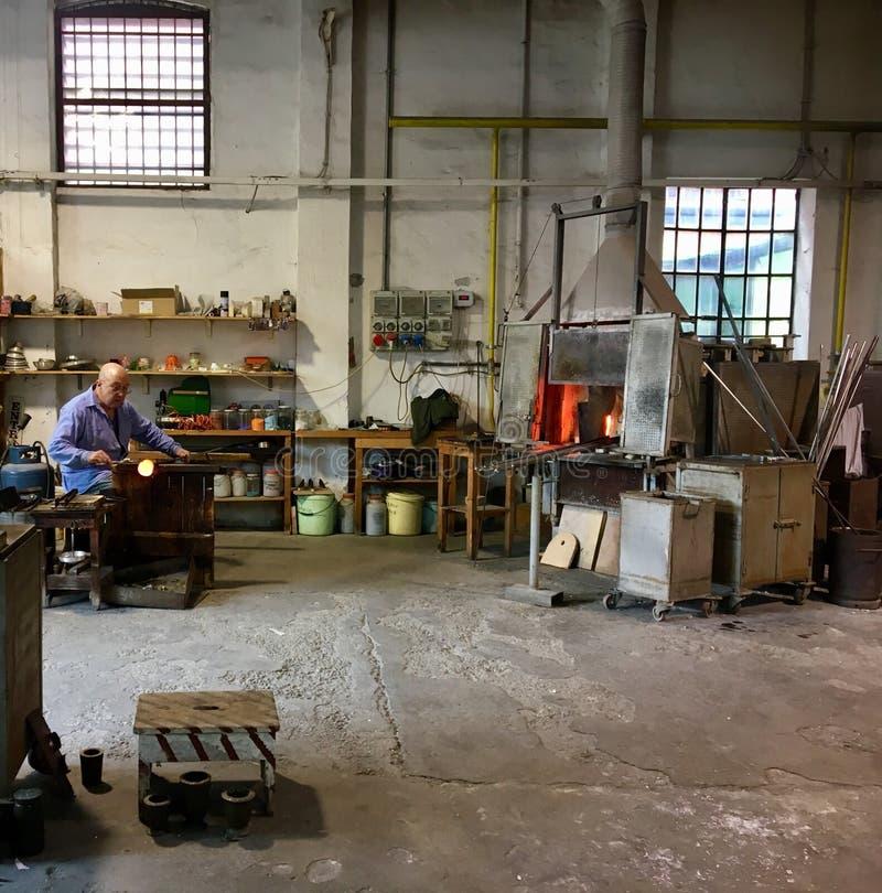 Artesano principal de cristal de Murano fotografía de archivo libre de regalías