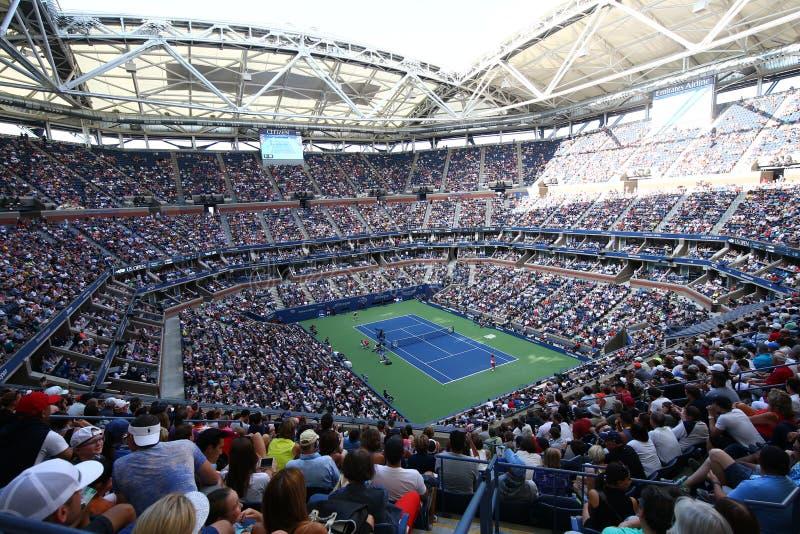 Arthur Ashe Stadium chez Billie Jean King National Tennis Center pendant l'US Open session de 2017 jours images libres de droits