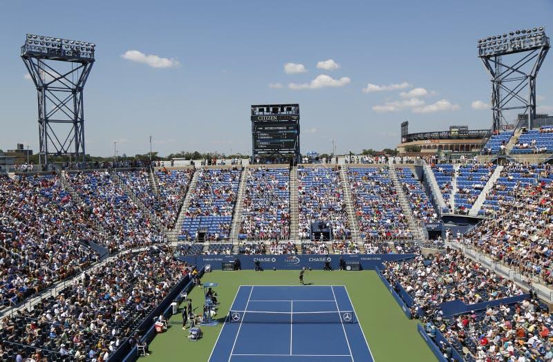 Arthur Ashe stadium podczas dopasowania przy us open 2014 przy Billie Cajgowego królewiątka tenisa Krajowym centrum zdjęcia royalty free