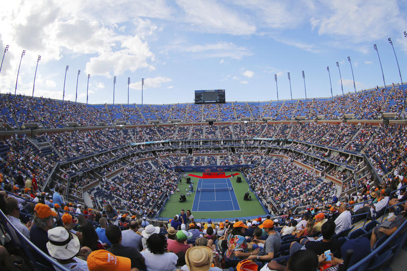 Arthur Ashe Stadium während der Eröffnungsfeier des US Open 2014 Frauen abschließend bei Billie Jean King National Tennis Center lizenzfreies stockfoto