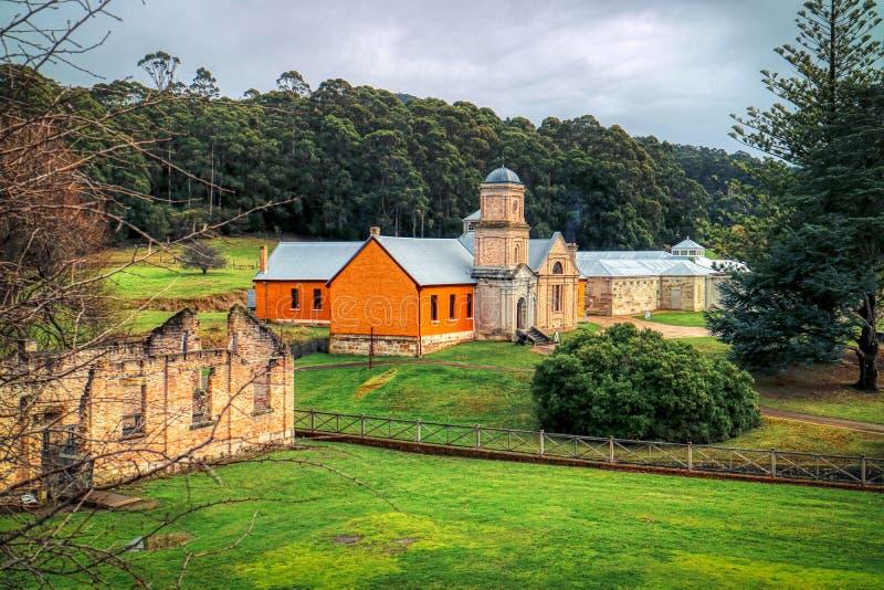 Arthur Penal Colony Historic Site portuario, el edificio del asilo, terminó en 1868 la península de Tasman, Tasmania, Australia fotos de archivo