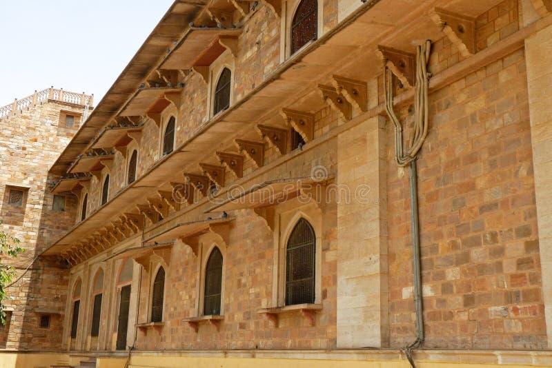 Arti medievali di progettazione: casa dentro i fortres immagini stock