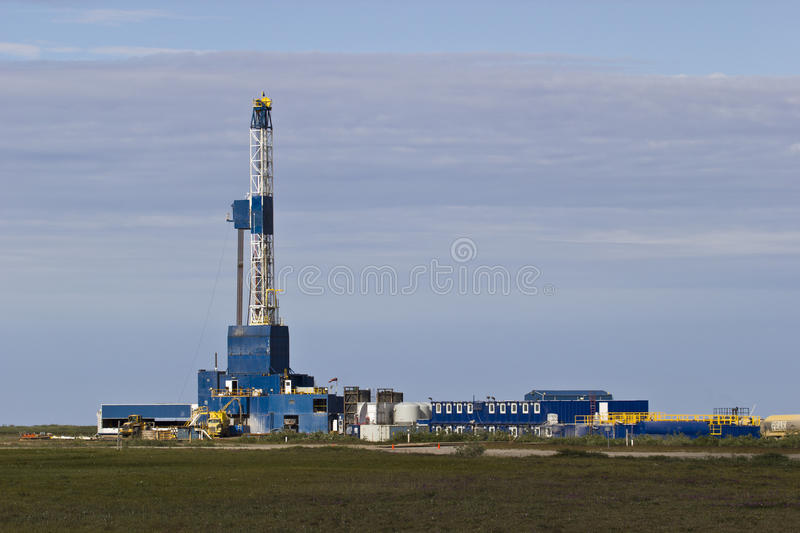 Download Artic Drilling Rig 4 Stock Image - Image: 25877351