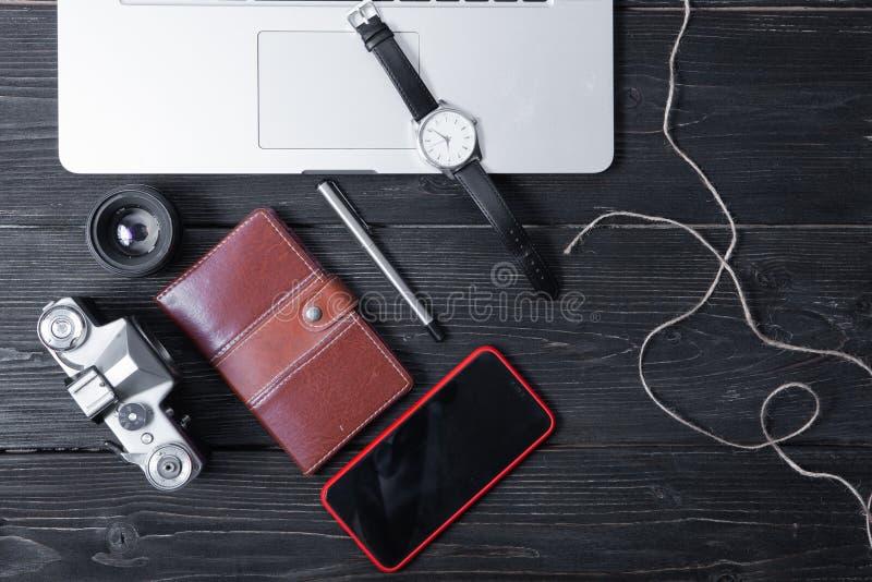 Articles de disposition pour le travail, voyage, planification de vacances images stock