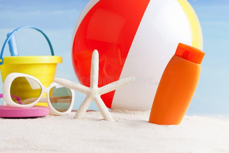 Articles de plage, station thermale naturelle photo libre de droits