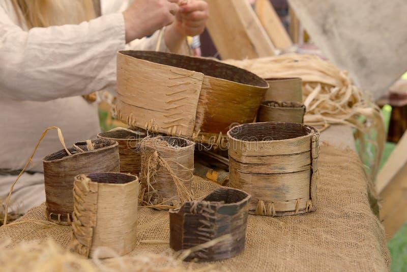 Articles médiévaux d'écorce de bouleau photos stock