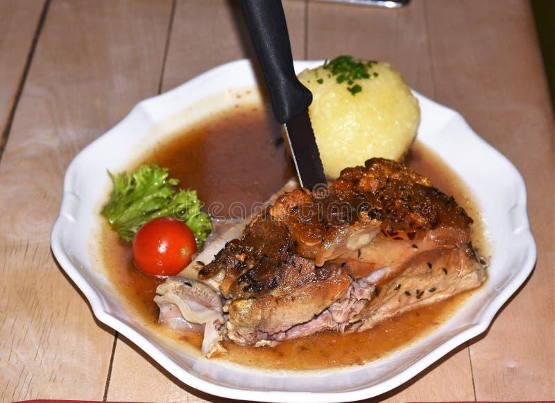 Articolazione tedesca della carne di maiale dell'alimento immagine stock libera da diritti