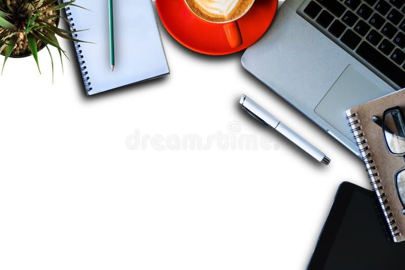 Articoli per ufficio su una priorit? bassa bianca immagine stock