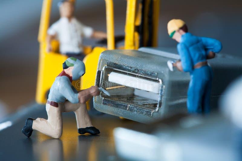 Artigianale miniatura che fanno manutenzione fotografia stock libera da diritti