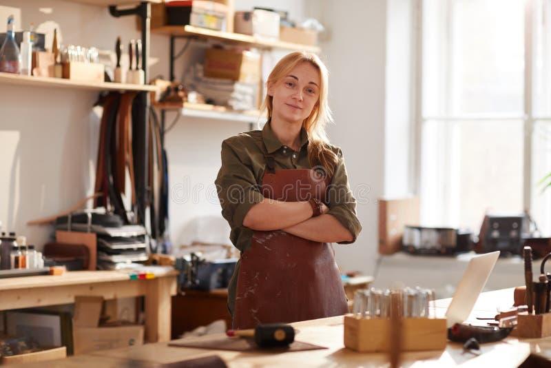 Artigiano femminile sicuro immagine stock