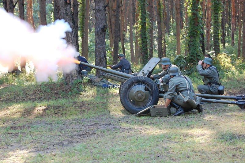 Artiglieria tedesca. WW2 che rimette in vigore fotografie stock libere da diritti