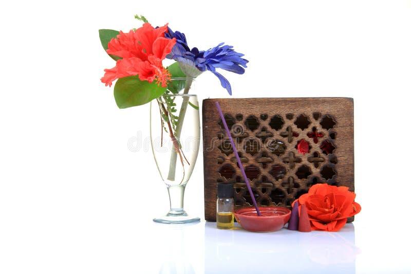 Download Artigos Aromatherapy De Relaxamento Imagem de Stock - Imagem de fresco, fundo: 16858437