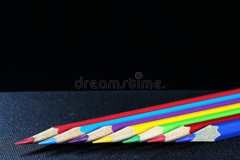 Artigos de papelaria coloridos para tirar e pintar fotografia de stock royalty free
