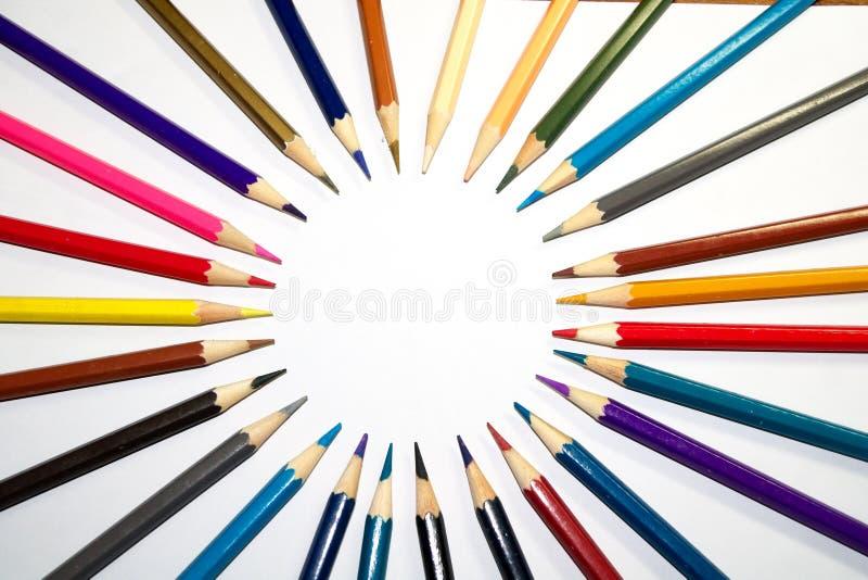 Artigos de papelaria usados para pintar a arte imagens de stock