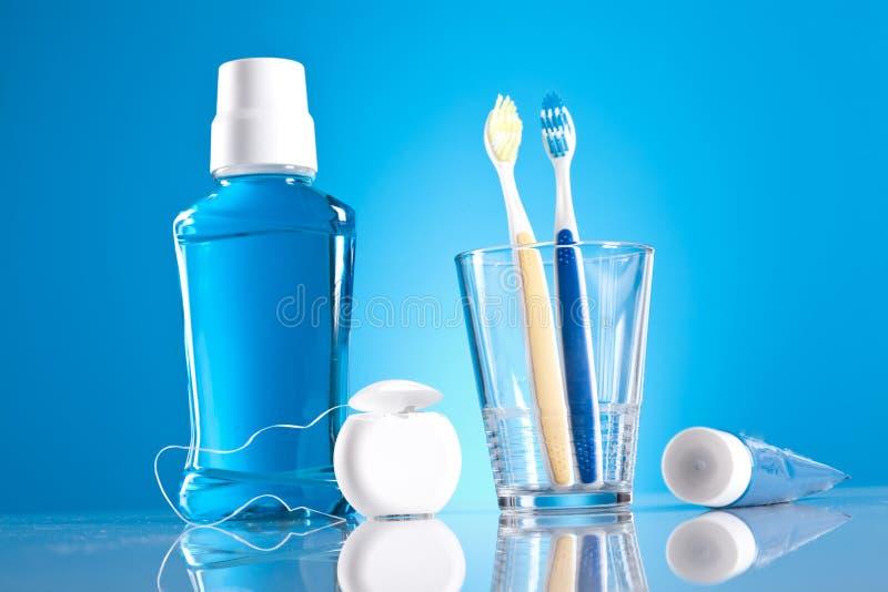 Artigos dentais dos cuidados médicos imagem de stock