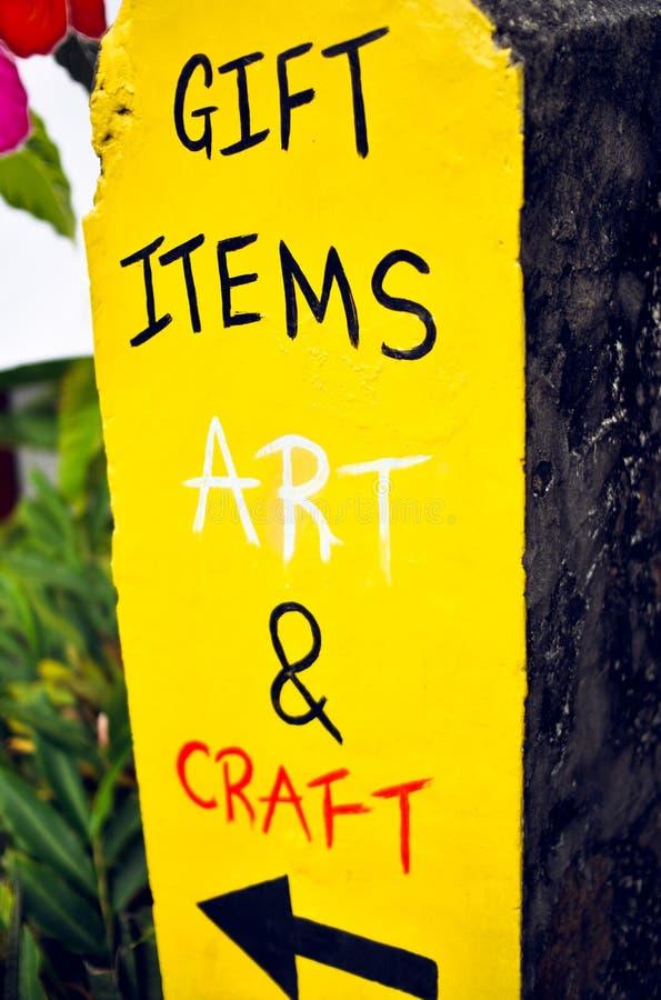 Artigos do presente, arte e si feito a mão amarelo notável brilhante do ofício fotografia de stock royalty free