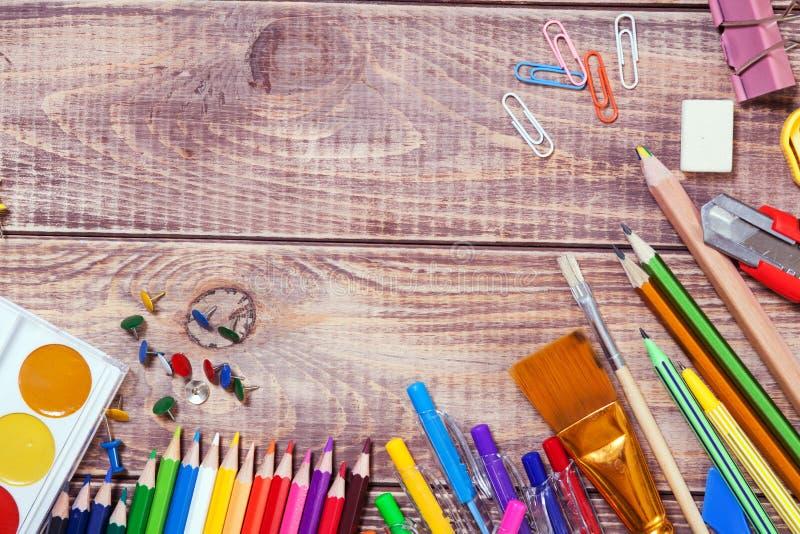 Artigos para a faculdade criadora das crianças imagem de stock