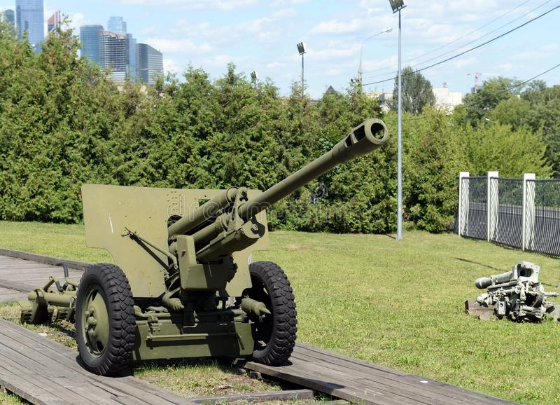 Artillerie dans le musée de l'équipement militaire sur la colline de Poklonnaya à Moscou photographie stock