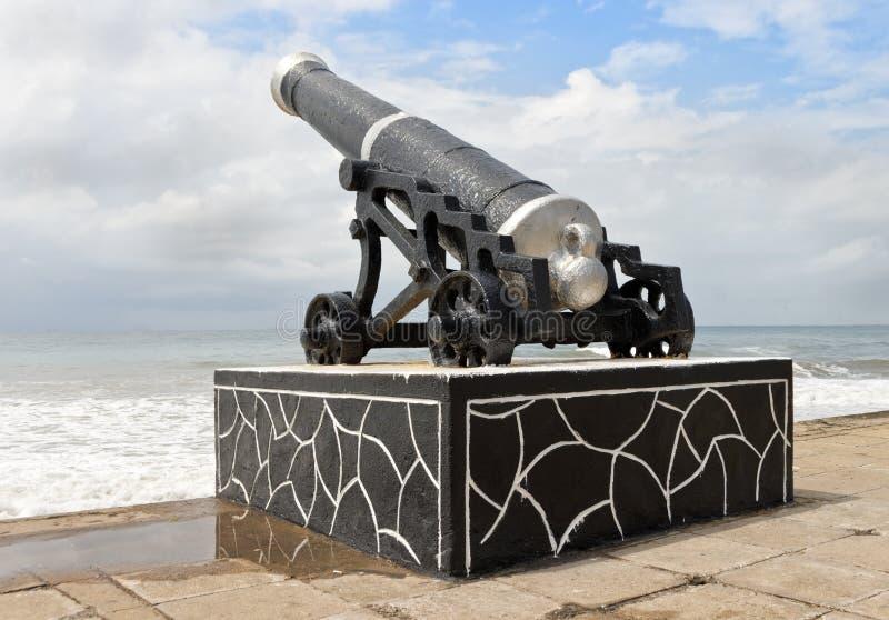 Artillerie de Colombo sur le bord de la mer photographie stock libre de droits
