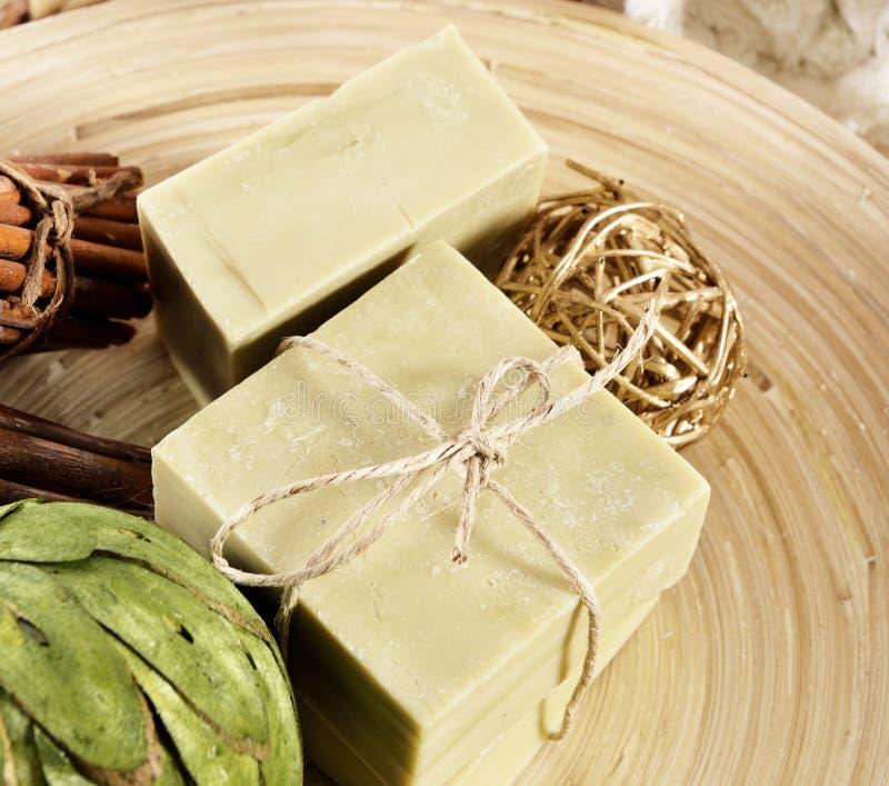 Artisanal tvål för naturlig Aromatherapy i en Spa royaltyfri fotografi