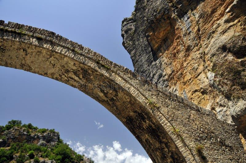 Artisanale uitbreiding van rots met steen stock fotografie