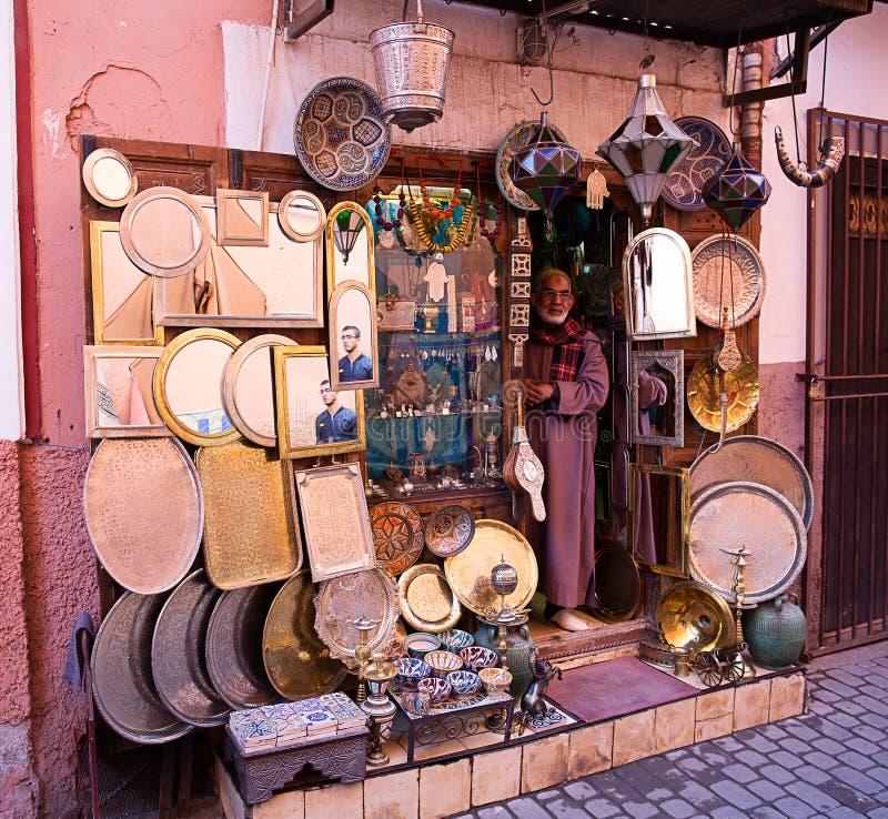 Download Artisanale Winkel In Marrakech Redactionele Fotografie - Afbeelding bestaande uit berber, spiegels: 39115252