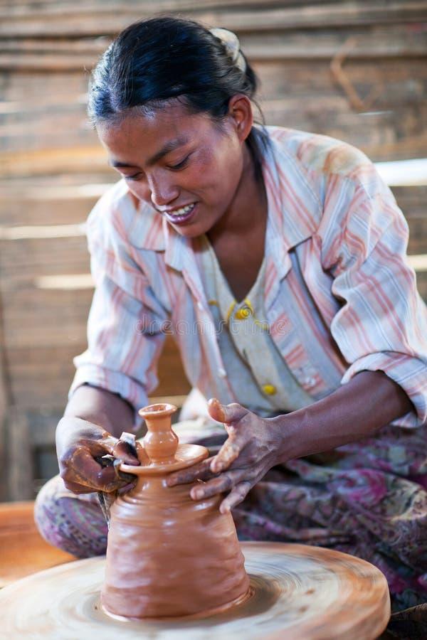 Artisane birmanne images libres de droits