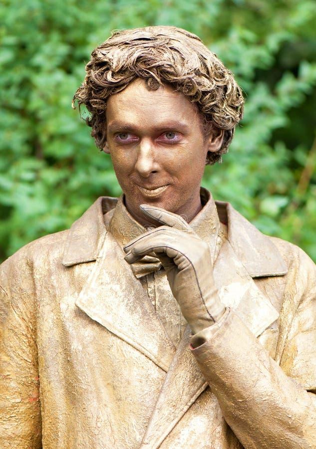 Artista holandés que se realiza en la calle durante el festival internacional de estatuas vivas fotos de archivo libres de regalías
