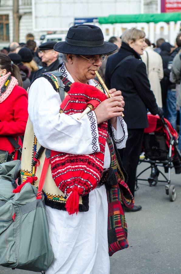 Artista romeno que executa no dia de Patrick de Saint fotos de stock