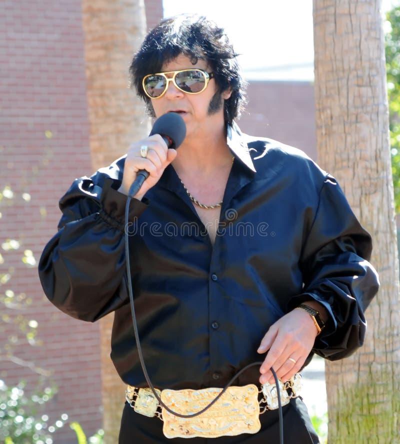 Artiste d'hommage d'Elvis photographie stock libre de droits