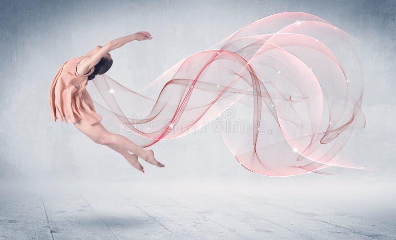 Artiste de représentation de ballet de danse avec le remous abstrait photos libres de droits
