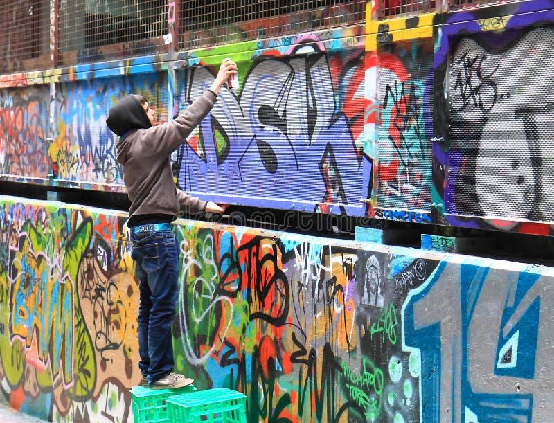 Artiste de rue dans le bonnetier Lane Melbourne - paysage photographie stock libre de droits