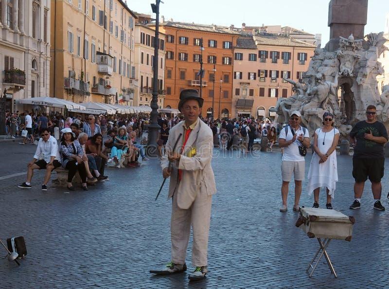Artiste de rue dans Piazza Navona à Rome photos stock