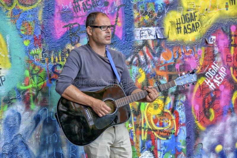 Artiste de rue, Prague images libres de droits