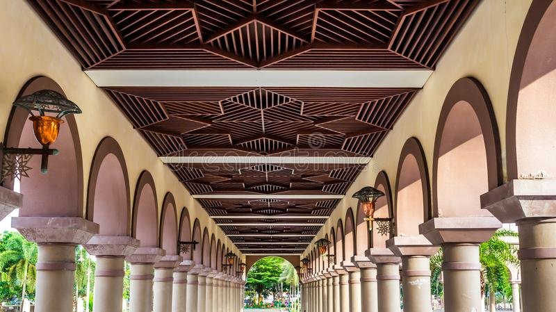 Artistiek houten plafond, Islamitisch centrum Samarinda royalty-vrije stock foto's