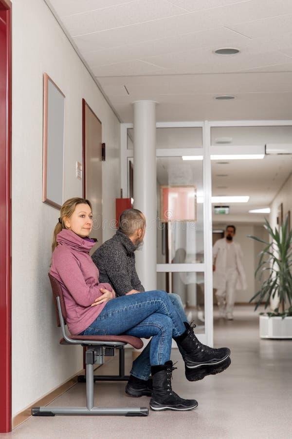 Arts en Patiënten stock foto's