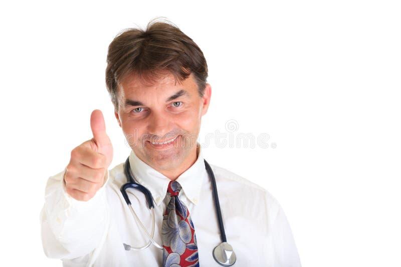 Arts met omhoog duim