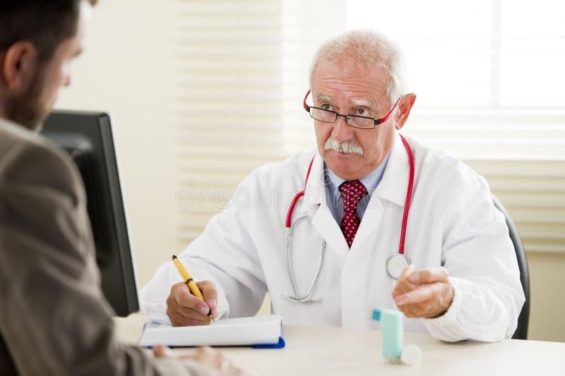 Arts met Patiënt royalty-vrije stock fotografie