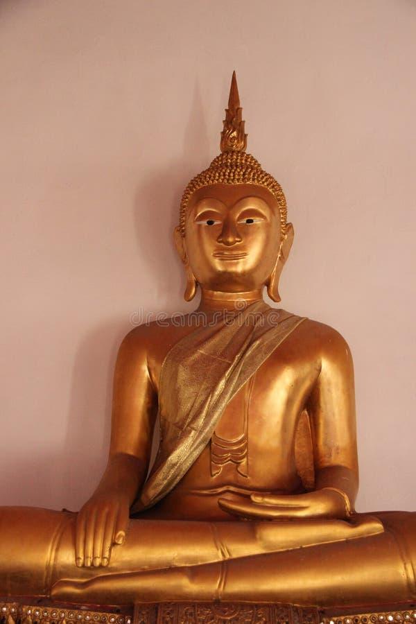 artsiest 与笑容的老金黄Buddhas 免版税库存图片