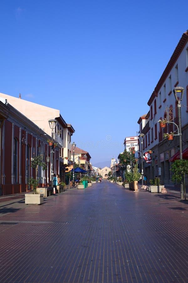Arturo Prat Street i La Serena, Chile royaltyfri foto