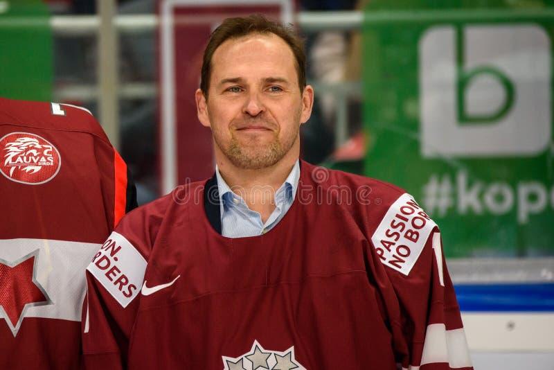 Arturs Irbe, legendarnego hokejowego bramkarza emerytura honorowa ceremonia zdjęcia royalty free