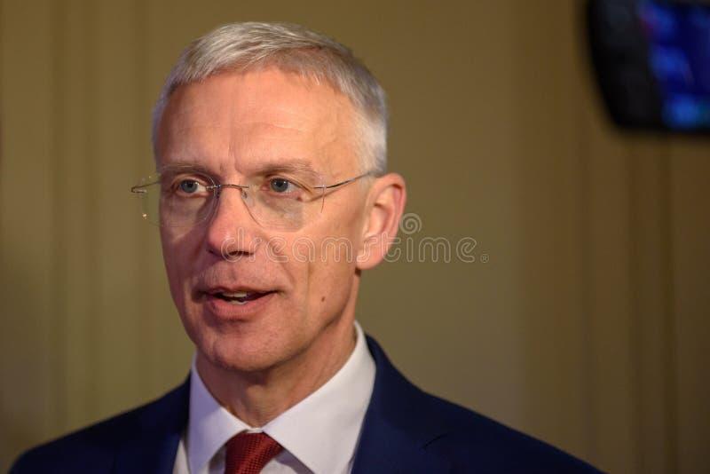 Arturs Krisjanis Karins, candidato per il Primo Ministro della Lettonia durante il voto della coalizione nuova del governo della  immagini stock