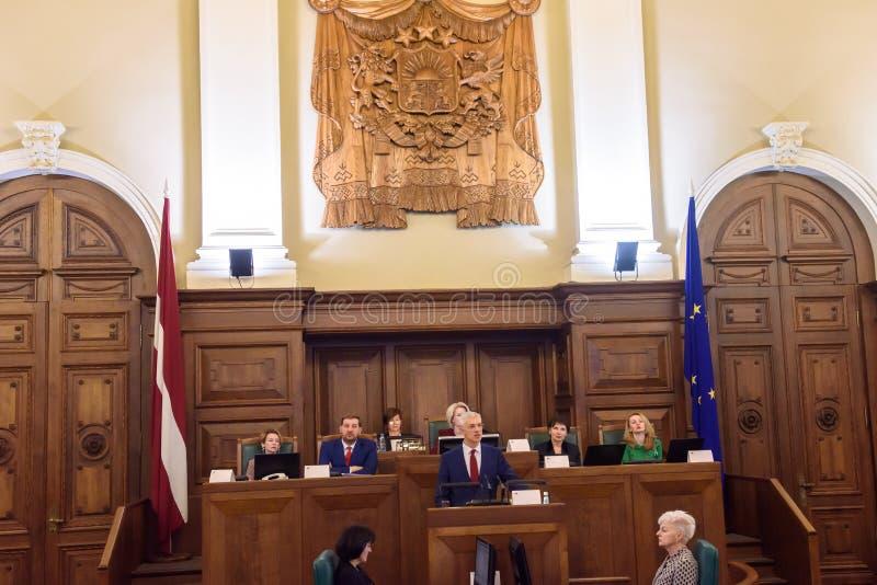 Arturs Krisjanis Karins, kandidaat voor Eerste minister van Letland tijdens stemming van nieuwe coalitie van regering van Letland stock afbeeldingen
