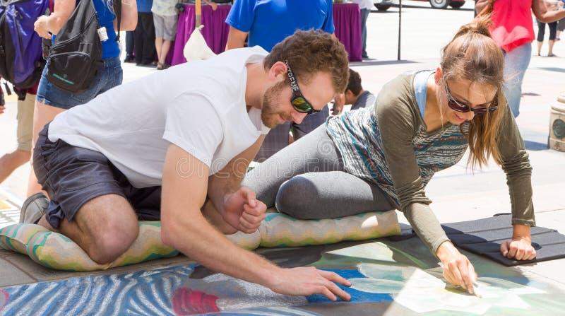 Artyści Uczestniczy w Pasadena kredy festiwalu obraz royalty free