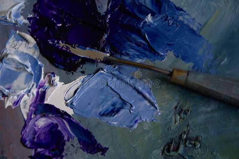 Artysta paleta z błękitnymi, czerwonymi nafcianymi farbami z i ilustracja wektor