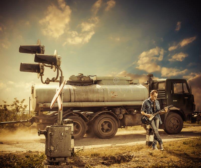 Artysta przy kolejowym rozdrożem zdjęcie stock