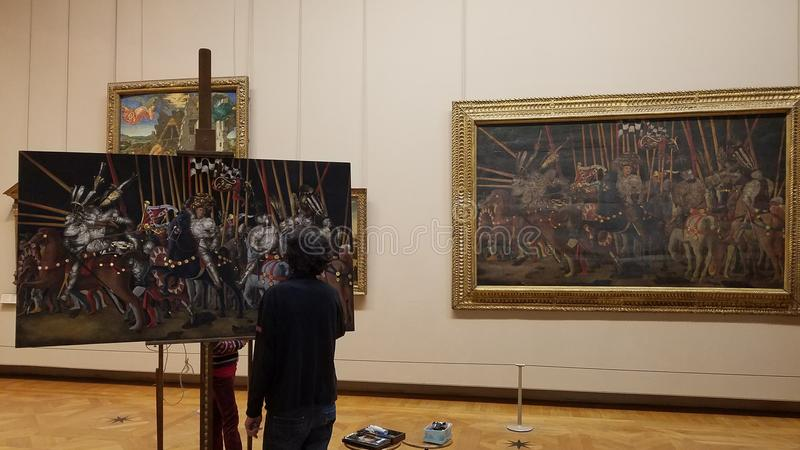 Artysta Reprodukuje obraz w louvre muzeum fotografia stock