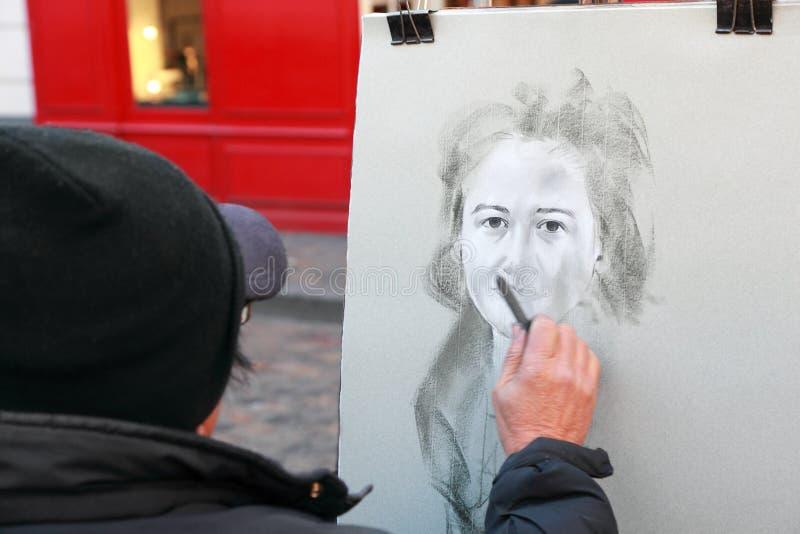 artysty kobieta farb portreta kobieta zdjęcia royalty free