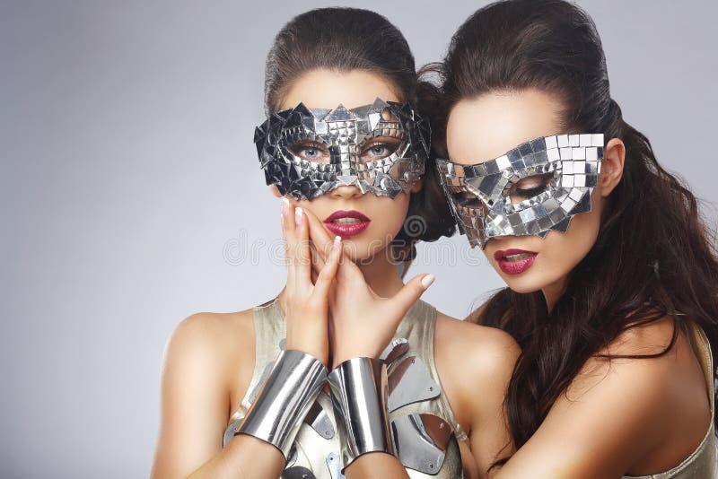 Artystyczne kobiety w Galanteryjnych Jaskrawych szkłach obraz royalty free