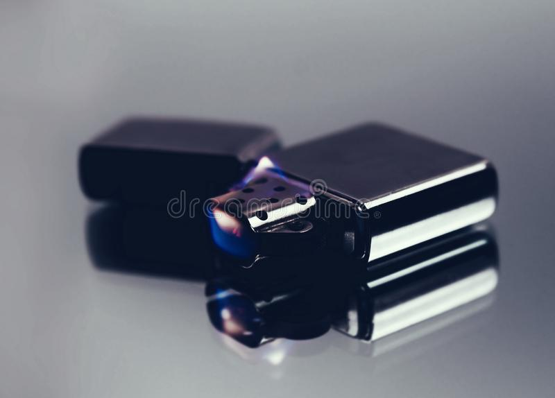Artystyczny żelazny zapalniczki zbliżenie fotografia stock